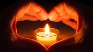 corazon con velas